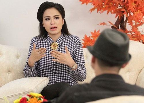 Diễm Hương từng rơi nước mắt khi kể về gia đình và cuộc hôn nhân trước đây.