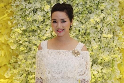 """Nét đẹp tươi trẻ của Hoa hậu Đền Hùng sau hơn 20 năm đăng quang khiến nhiều người ngưỡng mộ và """"ghen tỵ""""."""