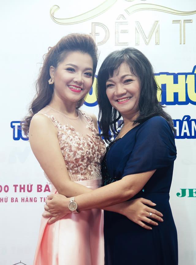 Ca sĩ Thanh Ngọc và mẹ