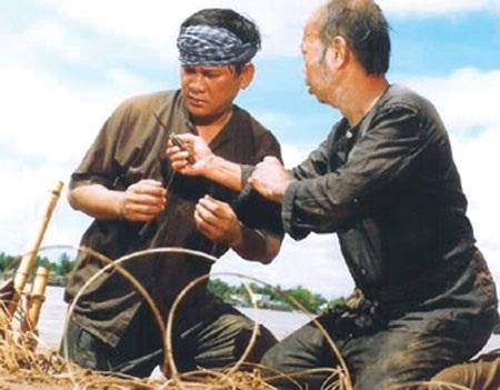 Trong số những sáng tác để đời của nhà văn Lê Văn Thảo có truyện ngắn Ông cá Hô được dựng thành phim và gây ấn tượng trong diễn xuất của cố diễn viên Lê Vũ Cầu.