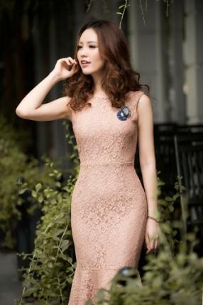 Á hậu Thụy Vân khoe thời trang streetstyle ngọt ngào, nữ tính - 6