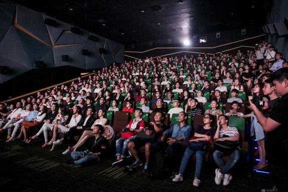 Hồ Ngọc Hà thân thiết cùng Lan Khuê ra mắt phim ngắn đầu tay - 10