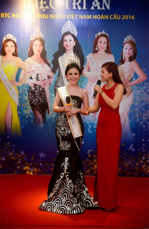 Hoa hậu Janny Thuỷ Trần rạng rỡ dự tiệc sau khi về nước - 5