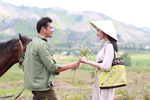 Ngoài những giá trị sống đẹp, bộ phim còn là bức tranh thơ mộng về tình yêu vùng biên giới.