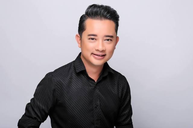 Đạo diễn Nguyễn Quý Khang cho rằng việc gì cũng có 2 mặt, việc công ty quản người mẫu đòi hỏi quyền lợi từ gà của mình đào tạo là điều hợp lý