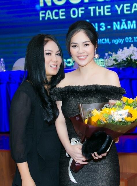 Dương Cẩm Lynh khoe dáng thon thả giảm 15kg sau khi sinh - 4