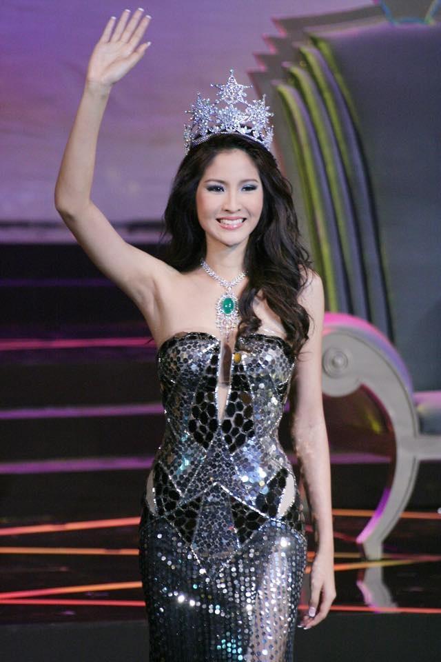 Farung Yuthithum đăng quang Hoa hậu Hoàn vũ Thái Lan 2007, cô nhận được sự ủng hộ và yêu thích của người dân xứ sở chùa vàng. Cùng năm, Farung Yuthithum còn lọt vào top 15 Hoa hậu Hoàn vũ Thế giới.