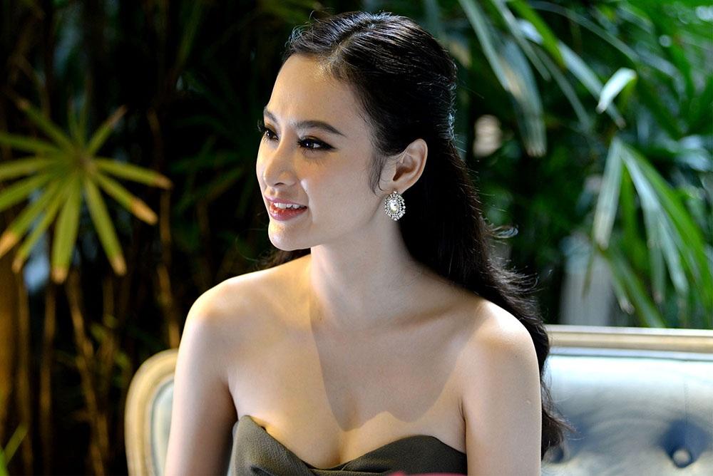 Angela Phương Trinh từ một nữ hoàng thị phi đang dần đẹp hơn trong mắt công chúng