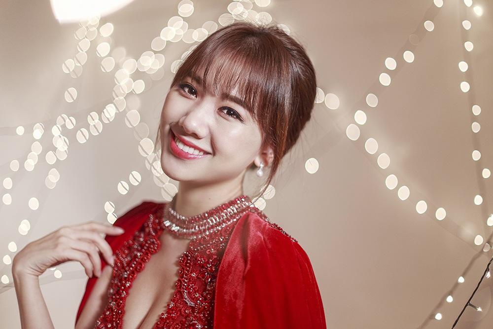 Bộ ảnh lần này cho thấy sự trưởng thành, nữ tính và cũng không kém phần gợi cảm của nữ ca sĩ người Hàn Quốc.