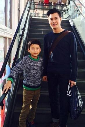 Năm nay Bảo Nam đã được 9 tuổi, hàng tháng Quang Dũng vẫn đều đặn bay qua Mỹ một lần để thăm con.