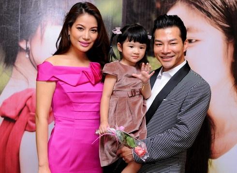 Năm 2008, bé Bảo Tiên chào đời, đánh dấu tiếp những ngày hạnh phúc của cặp đôi đôi vàng.