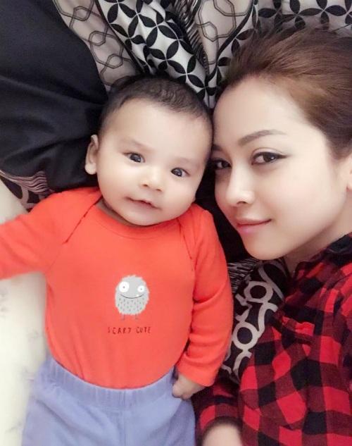 Jennifer Phạm vui vẻ khoe ảnh con trai, bé Nu ngày càng giống bố Đức Anh