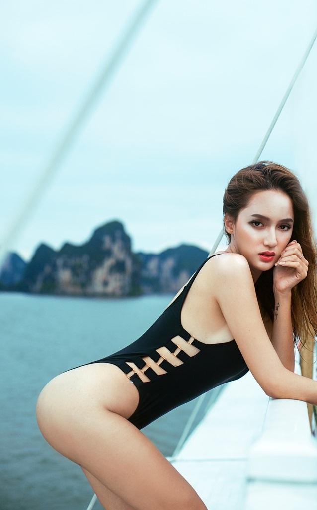 """Sao Việt """"chuyển giới"""" nóng bỏng với bikini - 1"""