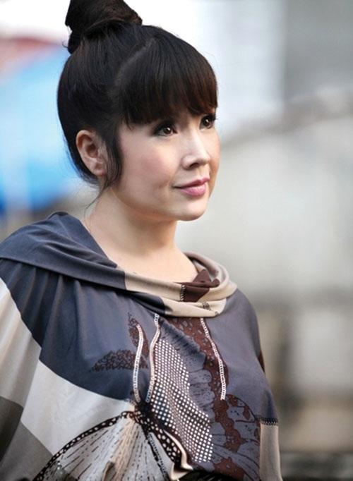 """Những """"mẹ kế"""" sống hạnh phúc bên con chồng của showbiz Việt - 1"""