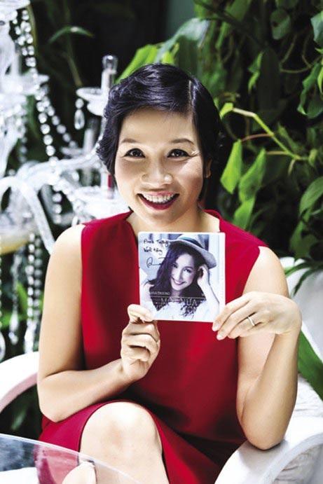 Mỹ Linh hiện đang sống hạnh phúc bên chồng và 3 người con của mình.