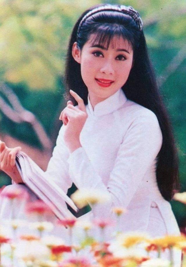 """Với gương mặt ưa nhìn, trong sáng, diễn viên Diễm Hương luôn là sự lựa chọn """"vàng"""" của rất nhiều đạo diễn tại thời điểm đó."""