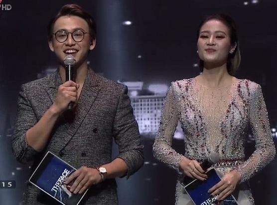 Quang Bảo – Thùy Linh đảm nhận vai trò MC dẫn dắt trong đêm thi cuối.