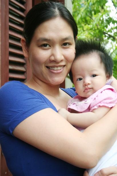 Những năm sau đó cô cũng ít tham gia nghệ thuật đến năm 2011, sau khi hạ sinh cô con gái thứ hai Hà Thu Hương chính thức từ giã nghệ thuật để gắn bó với công việc trong ngành ngân hàng.