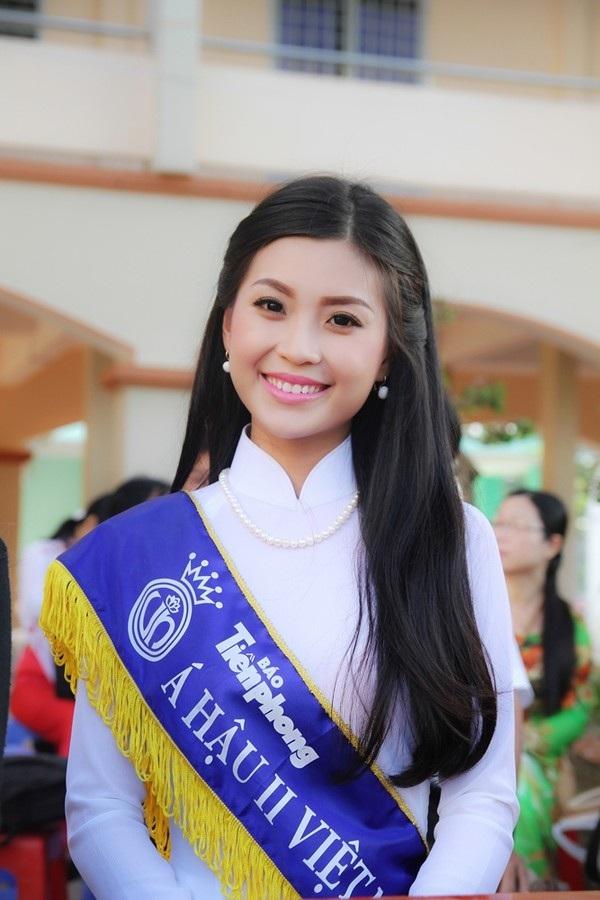 Top 3 mỹ nhân giành ngôi vị cao nhất cuộc thi Hoa hậu Việt Nam 2014, Á hậu 2 Diễm Trang là người im ắng, ít tham vọng nhất.