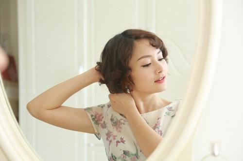 Nữ diễn viên còn tham gia làm trợ giảng bộ môn múa tại trường Cao đẳng Sân khấu - Điện ảnh Thành phố Hồ Chí Minh.