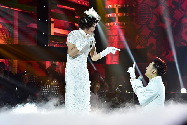 """Hoài Linh """"phá lệ"""" giả gái khoác áo cô dâu làm """"vợ"""" Quang Hà - 6"""