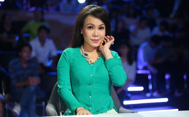 """Hơn 20 năm hoạt động, Việt Hương lọt top những danh hài có mức cát xê """"khủng"""" nhất showbiz Việt. Khối tài sản mà cô sở hữu ở tuổi 40 cũng khiến không ít người phải trầm trồ, ghen tỵ."""
