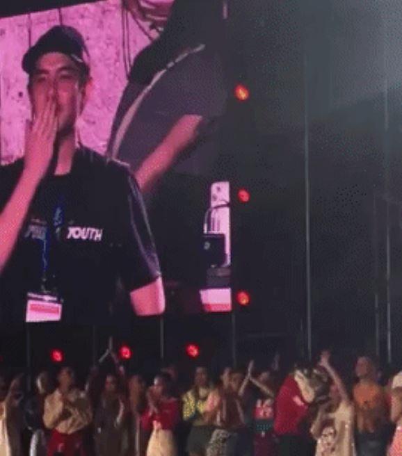 Ông Cao Thắng rơi nước mắt khi được Đông Nhi cảm ơn trong liveshow 10 năm ca hát - Ảnh 13.