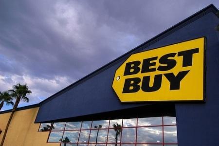 Best Buy khốn khó, CEO từ chức
