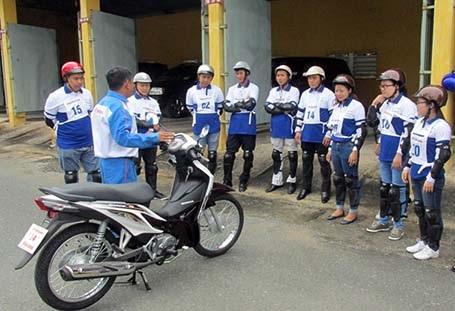 Honda Việt Nam tuyên dương các HEAD trong hoạt động Lái xe an toàn