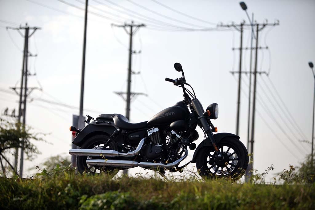 Keeway Blackster 250EFI có giá bán 85 triệu đồng.