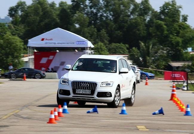 Audi mang siêu xe R8 phục vụ khách hàng lái thử