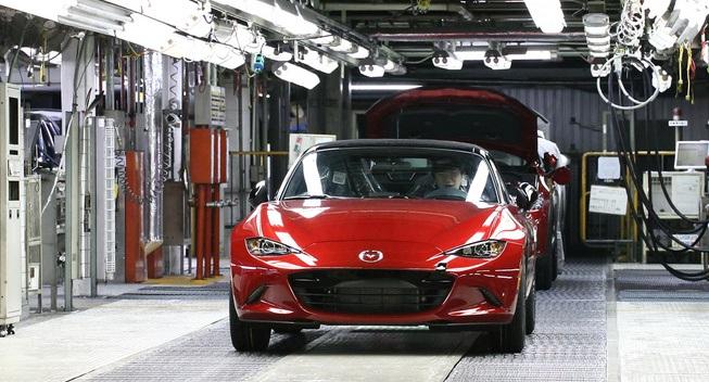 Mẫu xe thể thao bình dân bán nhiều nhất thế giới: Mazda Miata