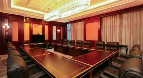 Hệ thống phòng họp được thiết kế sang trọng với đầy đủ trang thiết bị hiện đại