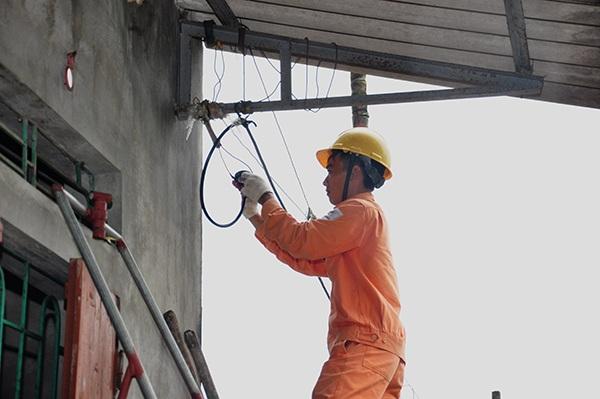 EVN HANOI: Tri ân khách hàng bằng những việc làm thiết thực, hiệu quả - 1