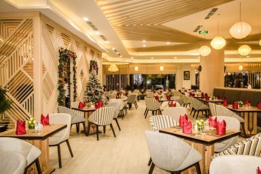 Không gian ấm cúng tại nhà hàng Mekong Breeze