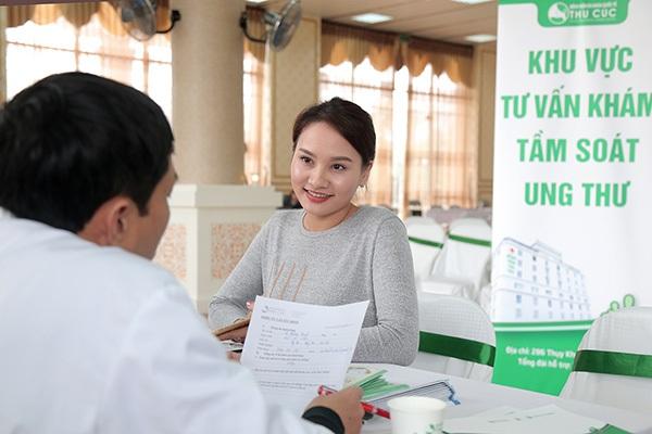 Diễn viên Bảo Thanh cũng đến tầm soát ung thư và tư vấn sức khỏe.