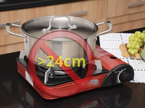Không sử dụng nồi có đáy diện tích lớn để đun nấu trên bếp gas mini (Nguồn: internet)