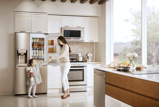 Với tủ lạnh LG, các bà nội trợ có thể hoàn toàn yên tâm khi thực phẩm lưu trữ cả tuần mà vẫn được bảo quản tươi ngon nhất