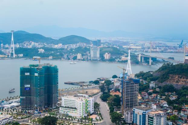 The Sapphire Residence Hạ Long là khu căn hộ cao cấp duy nhất tại khu vực bao biển bến Đoan. Ảnh cập nhật tiến độ dự án đến Tháng 6/2018 (Nguồn: Quảng ninh Skyline)