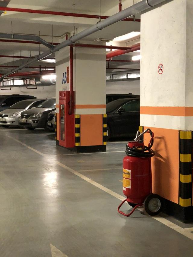 Các tầng hầm tại dự án đều được trang bị đầy đủ các thiết bị báo cháy và chữa cháy tại chỗ