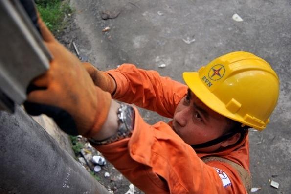 Lưới điện Hà Nội vận hành an toàn trong những ngày nắng nóng đầu tháng 7 - 3