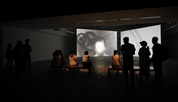 Video art của Hiraki Sawa: Lời gọi mời khó cưỡng từ cõi siêu thực - 1