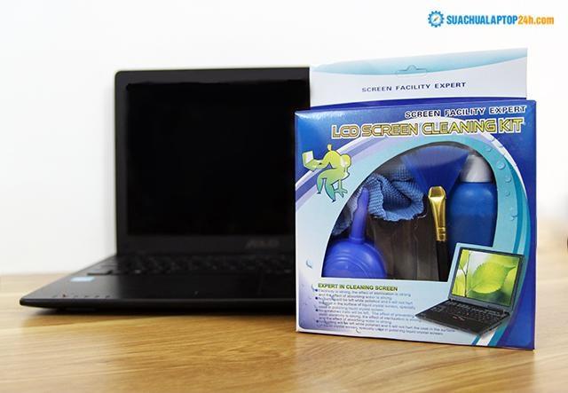Bộ dụng cụ vệ sinh laptop chuyên dụng.