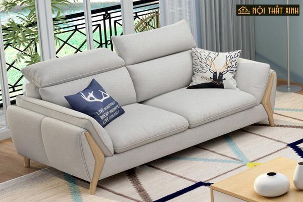 Bộ ghế sofa góc nhỏ gọn cùng bàn trà nhỏ xinh, đa di năng giúp phòng khách trở nên nhiều tiện ích, gọn gàng hơn