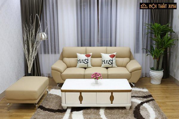 Ghế sofa chung cư nhỏ dễ dàng đặt trong phòng khách kết hợp khéo léo với bàn trà, thảm tạo sự hài hoà và rộng mở cho không gian