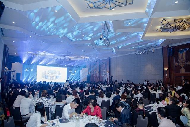 Hàng trăm khách hàng tham dự sự kiện mở bán D'. El Dorado