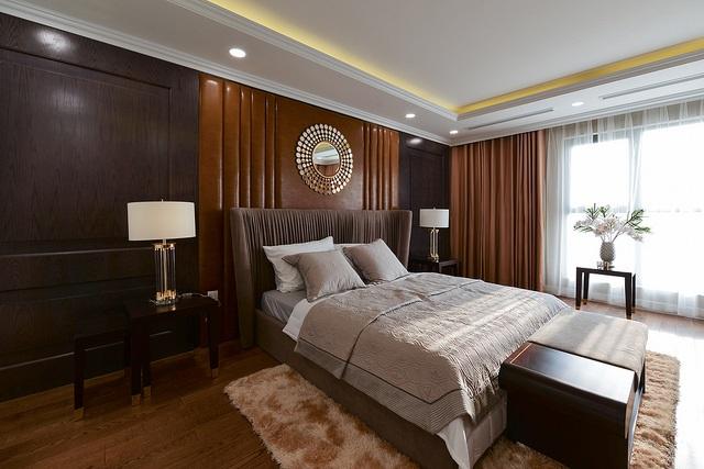 Mọi chi tiết trong căn hộ được tính toán kỹ lưỡng, mang đến sự hài hoà giữa nét đẹp thẩm mỹ và sự bền chắc, đảm bảo công trình có thể sử dụng lâu dài mà không mất công sửa chữa