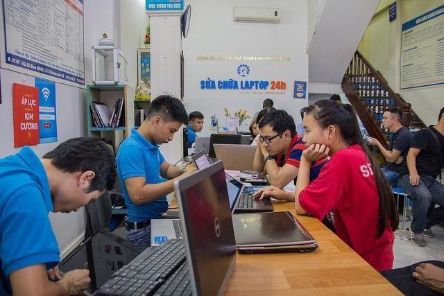 Hình ảnh bên trong cơ sở Thái Hà của trung tâm Suachualaptop24h.com.