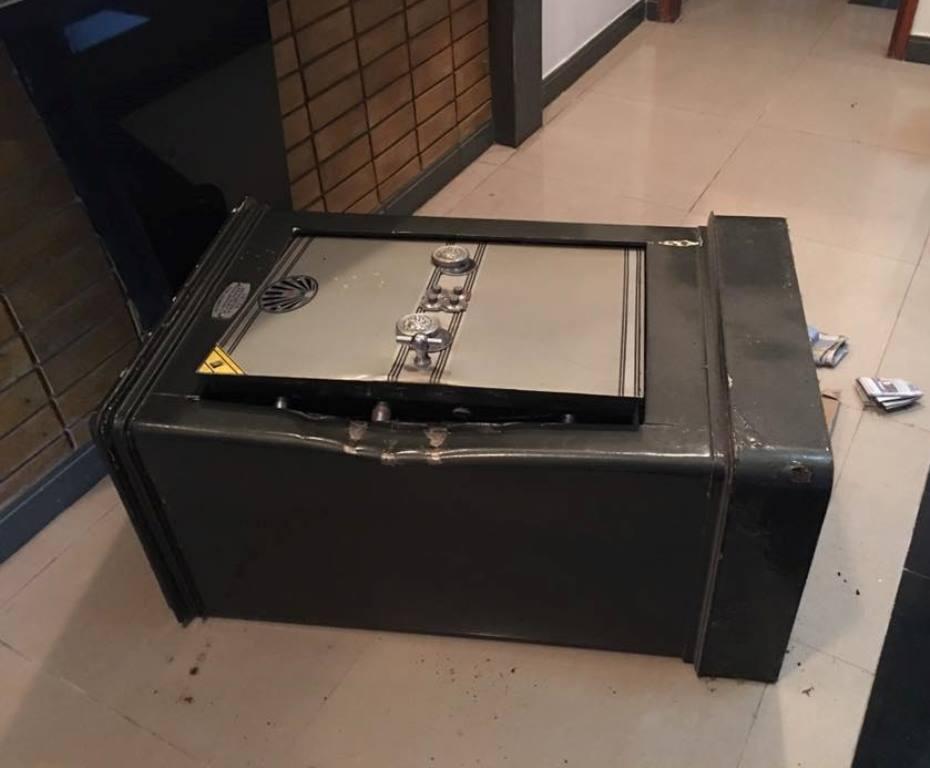 Chiếc két sắt chứa tài sản của hot girl Sam
