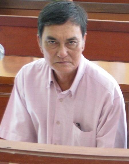 Nguyên kiểm sát viên Phạm Văn Núi nhận án 1 năm cải tạo không giam giữ.